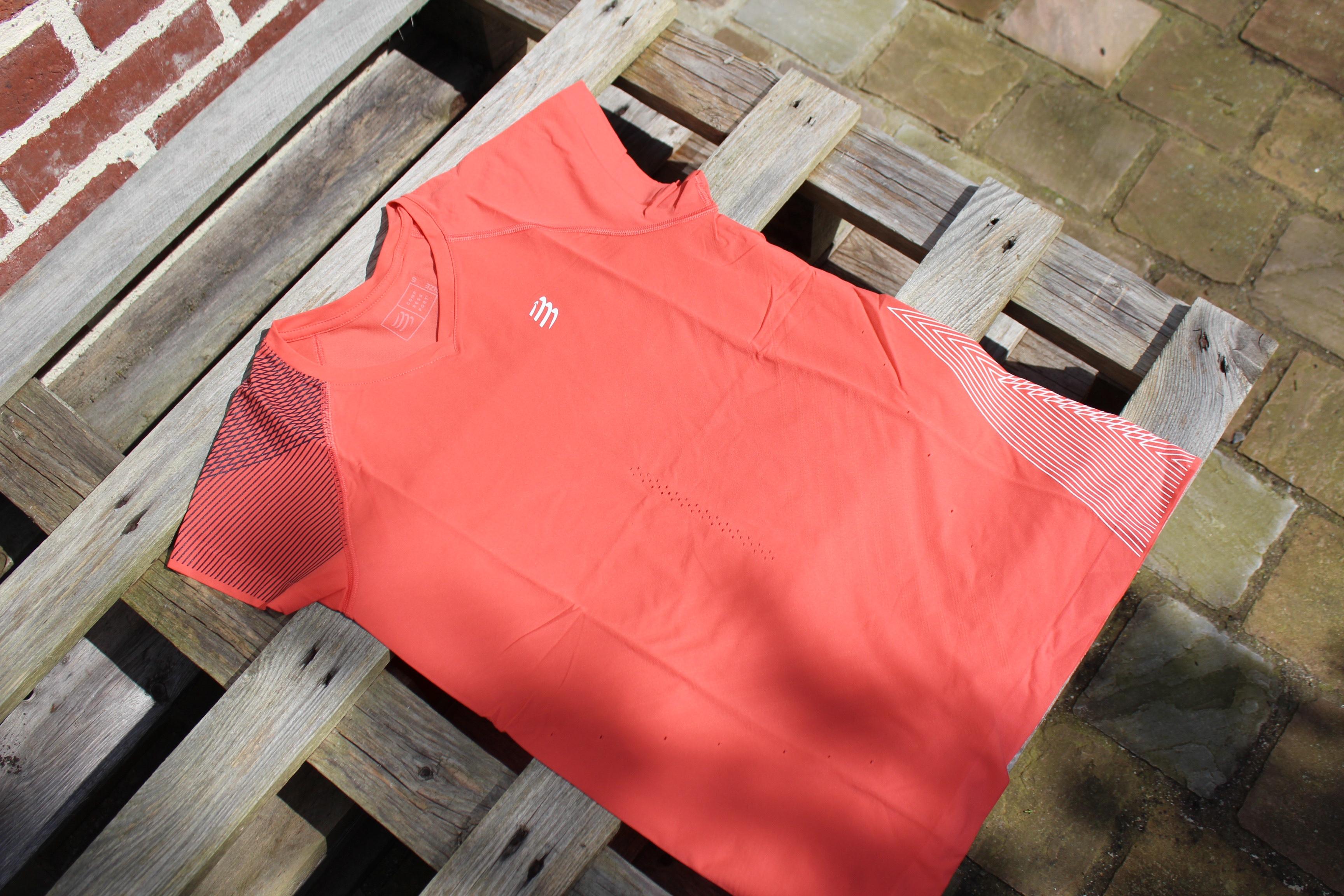 T-shirt Performance test Compressport Running femme